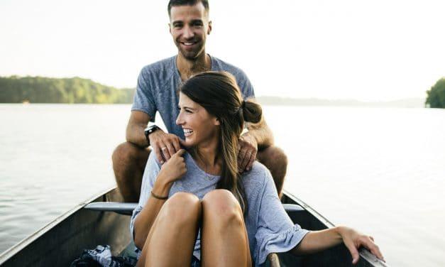 Как да привлечете романтичен партньор, използвайки Закона за привличането